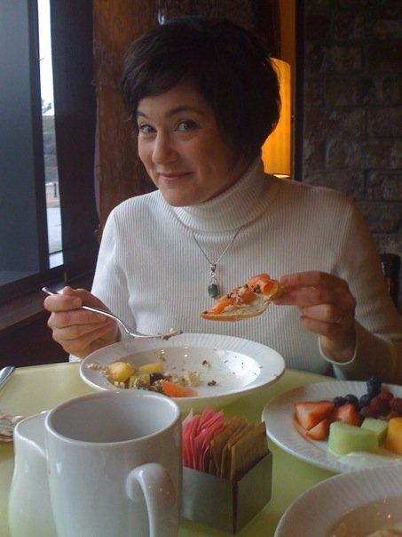 Breakfast at AVIA