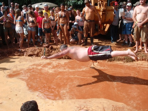 Mudpit belly flop, Redneck Games 2010